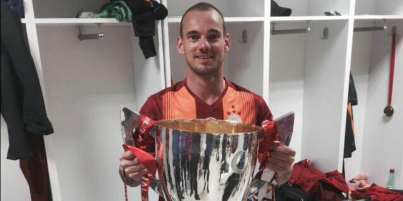 27052016 Sneijder 2