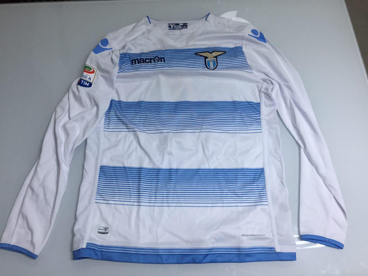 divisa Lazio vesti
