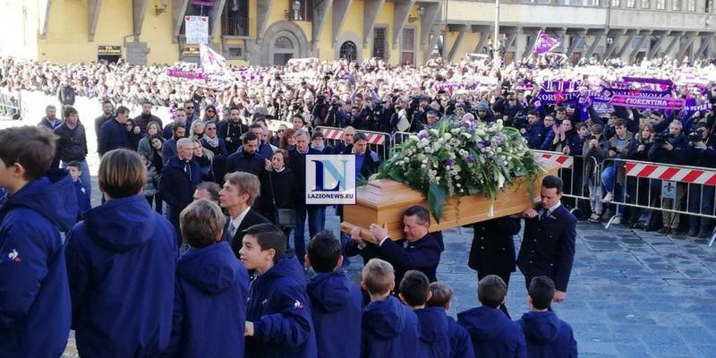 In migliaia a San Pellegrino per l'ultimo saluto a Davide Astori