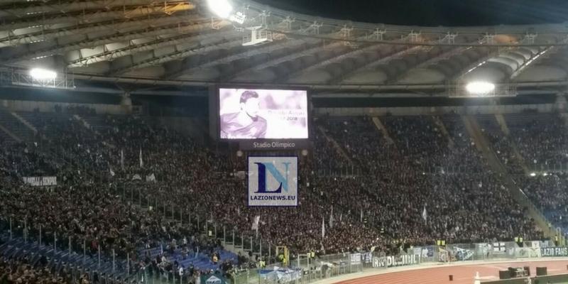 Cagliari - Lazio nel ricordo di Astori: il tributo della Sardegna Arena