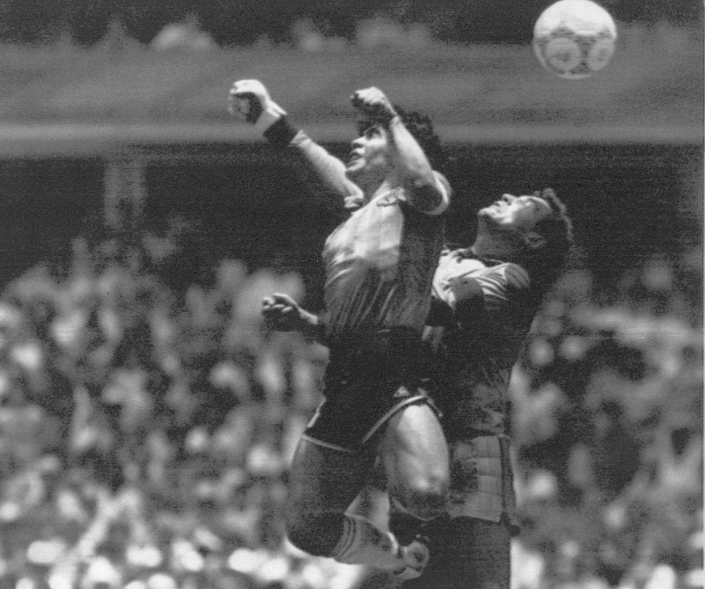 Calcio: Di Maio, 'triangolare pace Italia-Inghilterra-Argentina in ricordo Maradona'